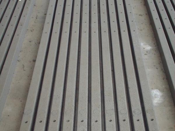 Vigneto e frutteto pali palo cemento vibrato for Pali cemento per recinzione
